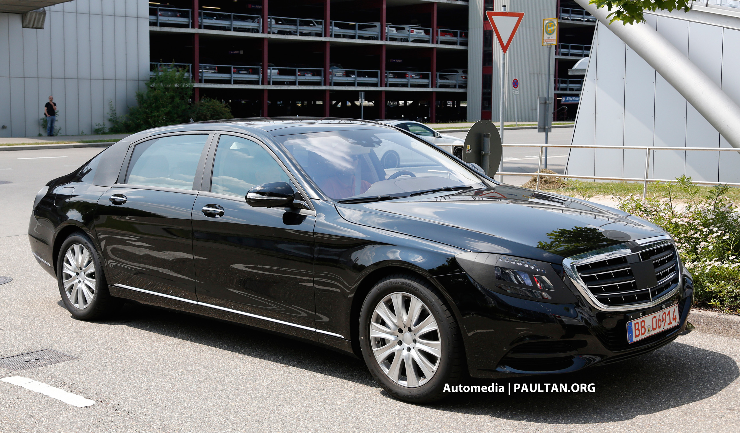 Spied mercedes s 600 pullman replaces the maybach for Mercedes benz s guard for sale