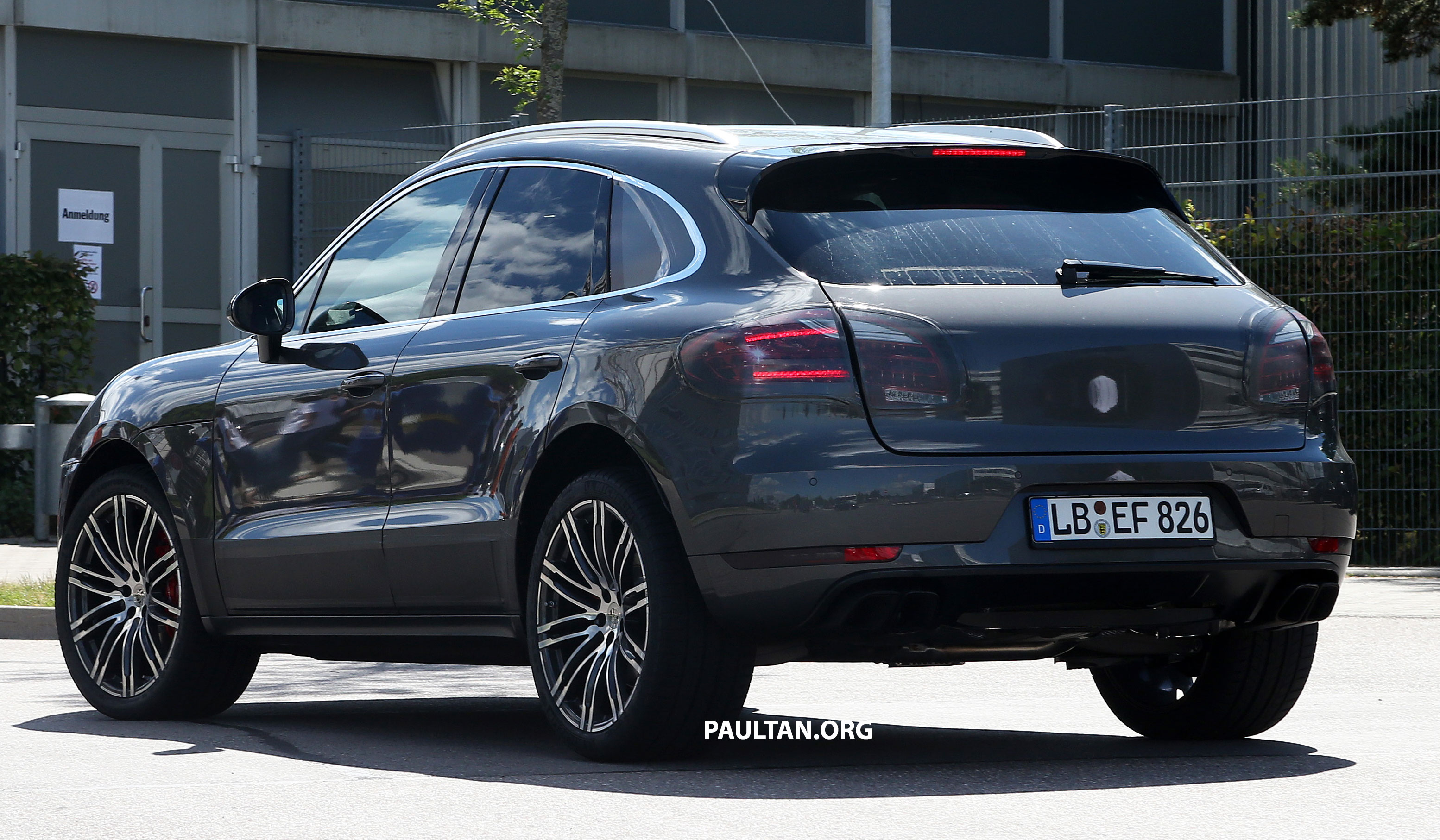 spyshots porsche macan with minimal disguise image 190934