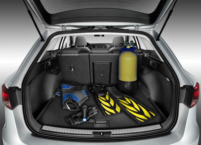 SEAT Leon ST combines practicality with Spanish flair Image #189047