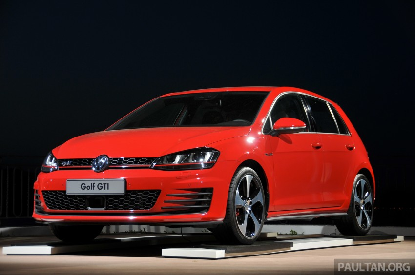 driven new 220 ps volkswagen golf gti mk7 tested image 189482. Black Bedroom Furniture Sets. Home Design Ideas