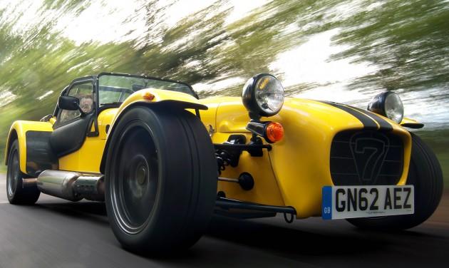 caterham-seven-supersport-r-moving