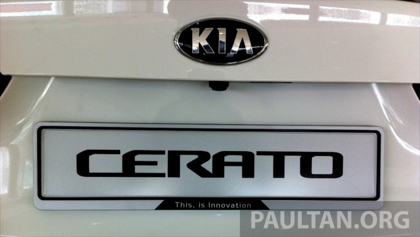GALLERY: Kia Cerato at the showroom with brochure Image #184351