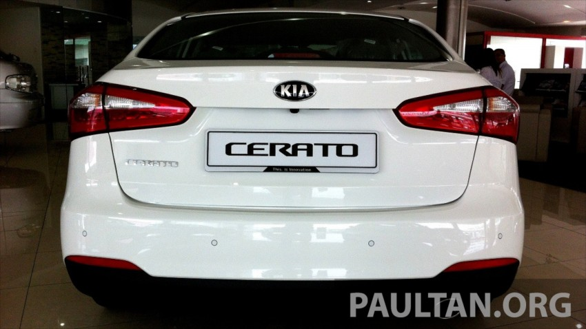 GALLERY: Kia Cerato at the showroom with brochure Image #184335