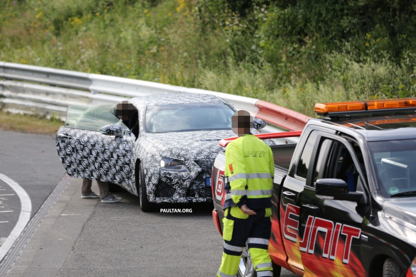 SPYSHOTS: Lexus RC F Coupe helps a Genesis out Image #188739