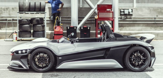 05 , a mid-engined two-seater from Mexican company VUHL Automotive