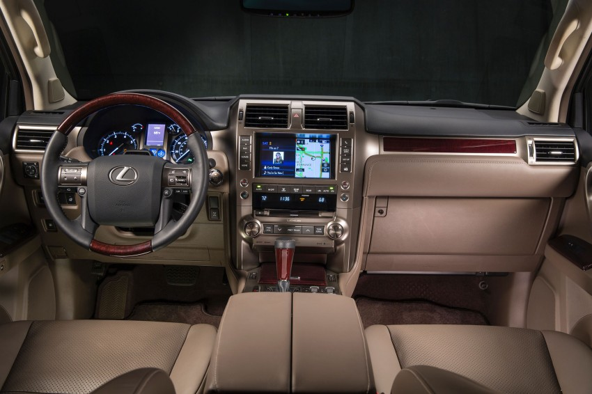 Lexus GX 460 facelift gets the spindle grille treatment Image #194575
