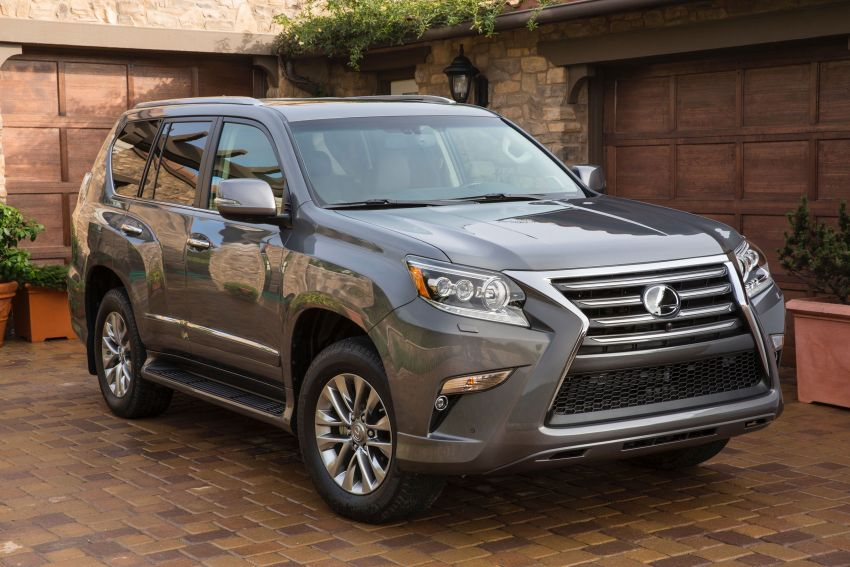 Lexus GX 460 facelift gets the spindle grille treatment Image #194576