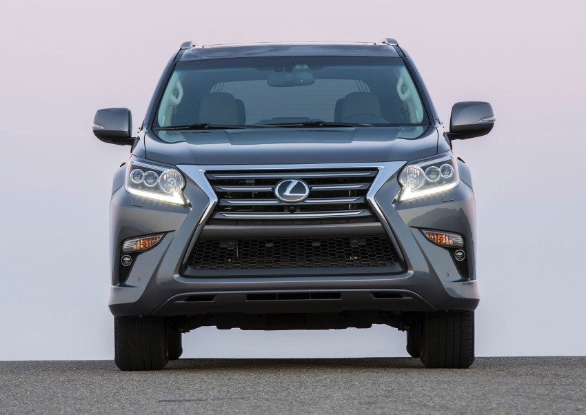 Lexus GX 460 facelift gets the spindle grille treatment Image #194563