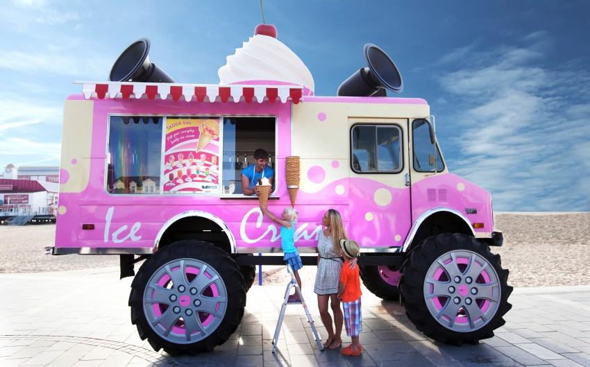 Skoda UK unveils world's biggest ice cream van Image #193957