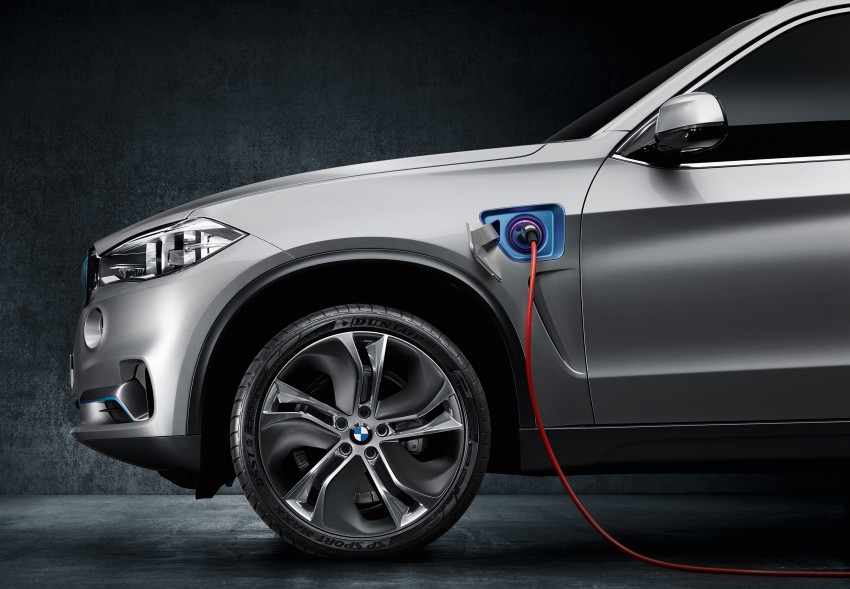 BMW Concept X5 eDrive previews a plug-in hybrid X5 Image #194304