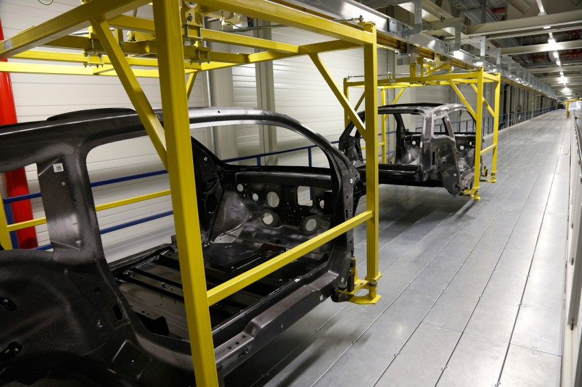 BMW i3 in detail – the world's first mass-produced car to be made primarily of carbon-fibre Image #191293
