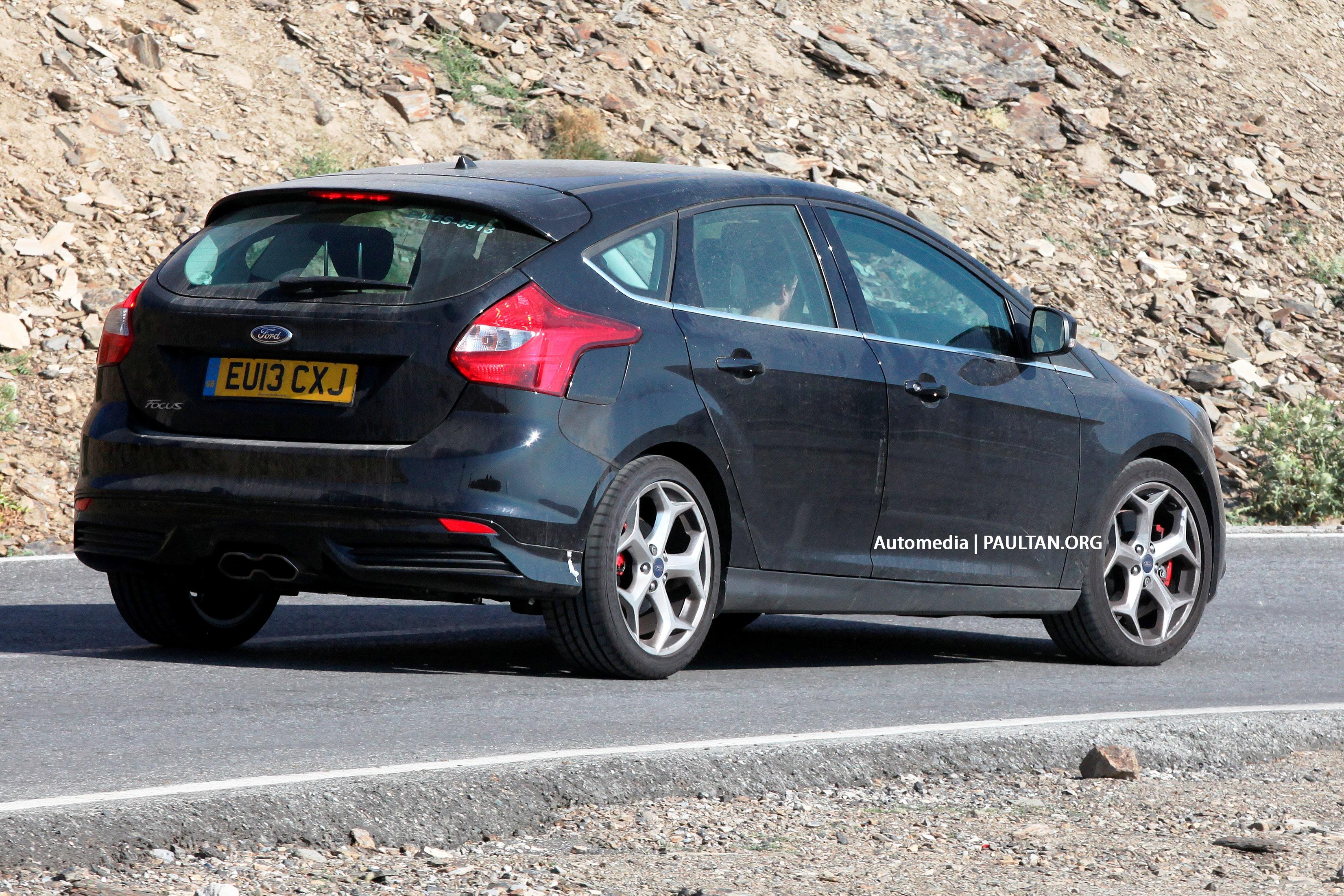 spyshots third gen ford focus st facelift undergoing testing. Black Bedroom Furniture Sets. Home Design Ideas