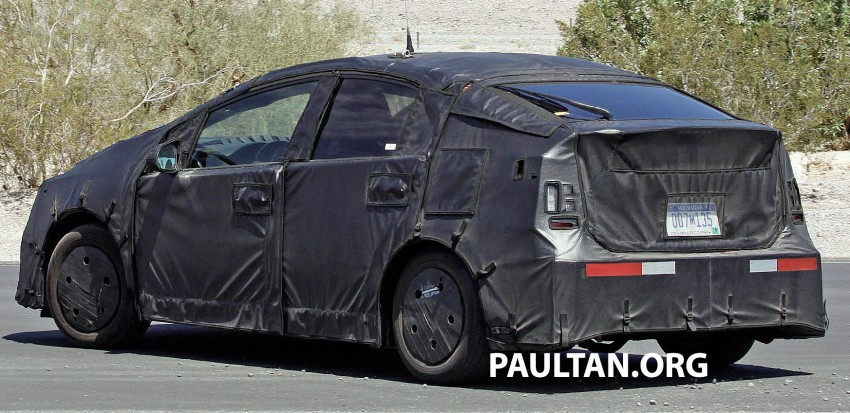 4th-gen Toyota Prius spied, but doesn't tell us much! Image #191166