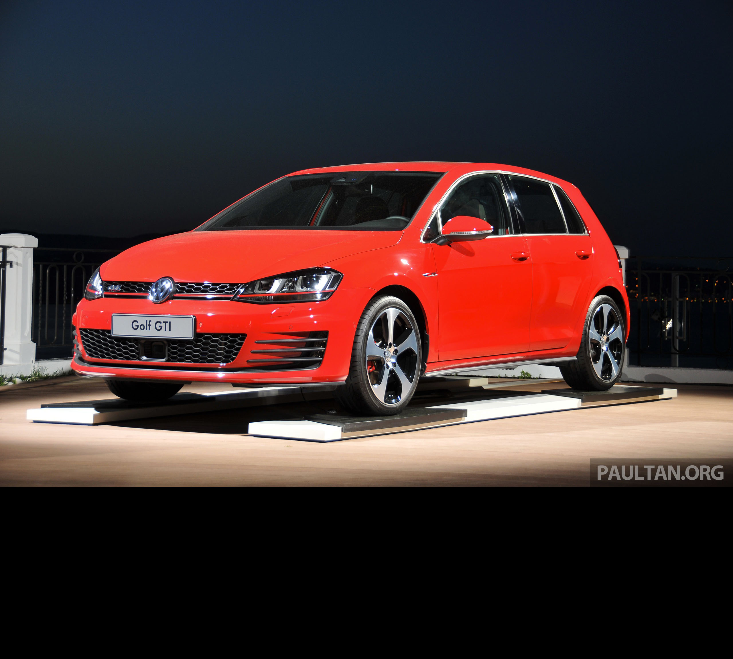 DRIVEN New 220 PS Volkswagen Golf GTI Mk7 tested