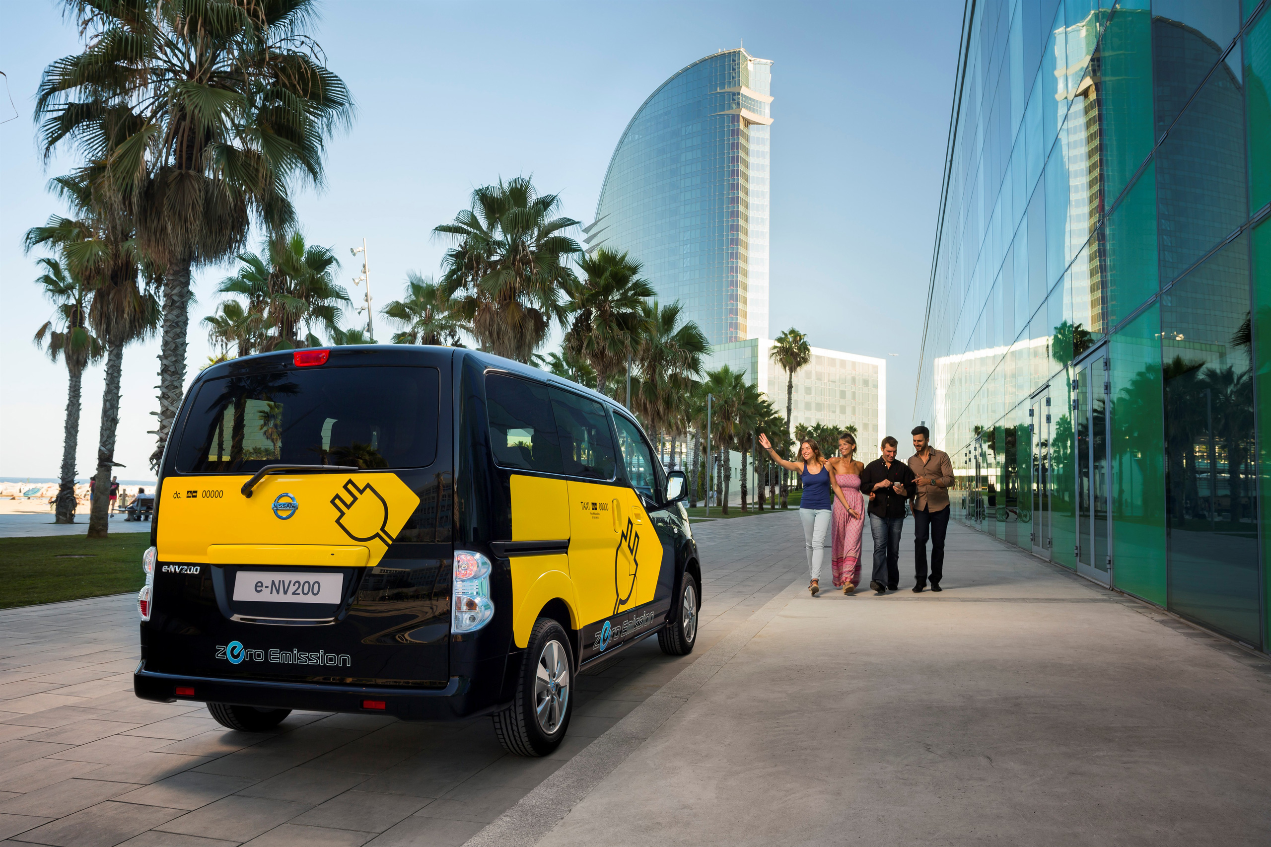 Barcelona to use nissan e nv200 electric taxi cabs image 198205 - Cab in barcelona ...