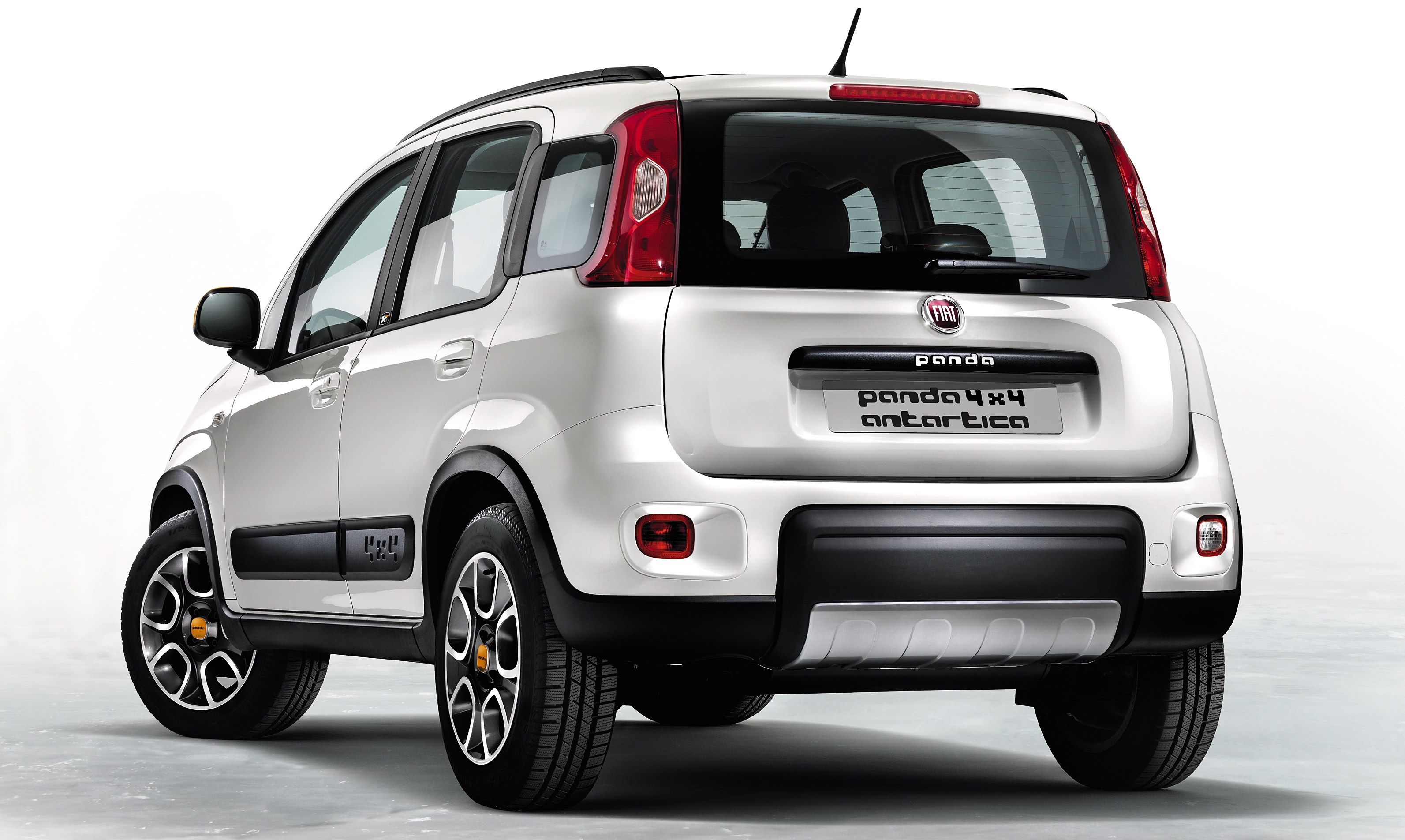 fiat panda 4x4 antartica celebrating 30 years of the panda. Black Bedroom Furniture Sets. Home Design Ideas