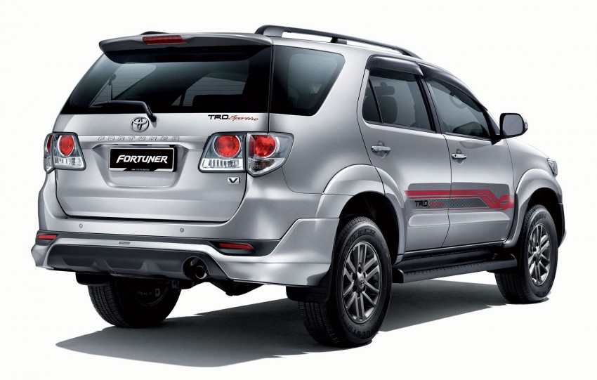 Toyota Fortuner updated: now with black cabin, Isofix Image #206797