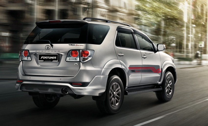 Toyota Fortuner updated: now with black cabin, Isofix Image #206795