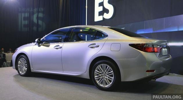 2013 Lexus ES 12