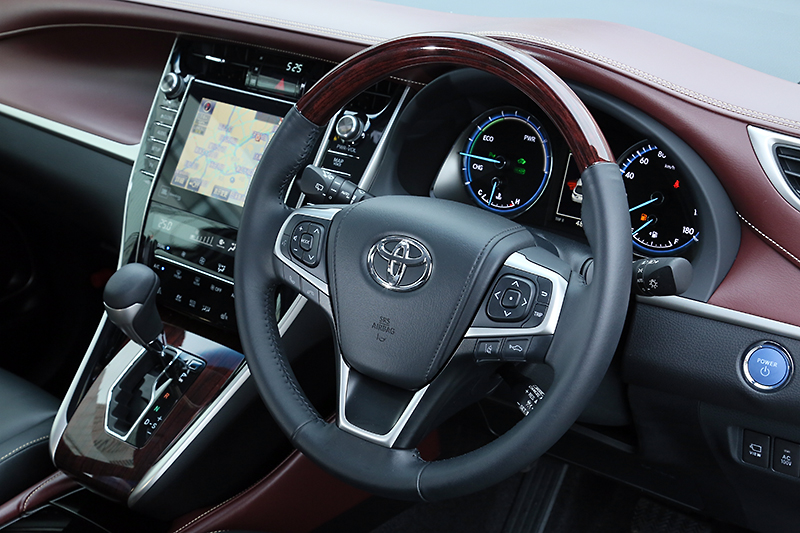2014 Toyota Harrier – new exterior and interior photos Image #204354