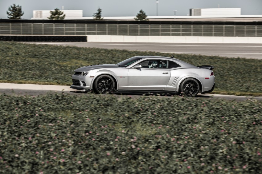 Chevrolet pits the Camaro Z/28 against the Mustang, and sets a Porsche 911-beating Nurburgring lap time Image #205105