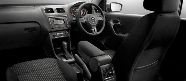 2014_Volkswagen_Polo_Sedan_05