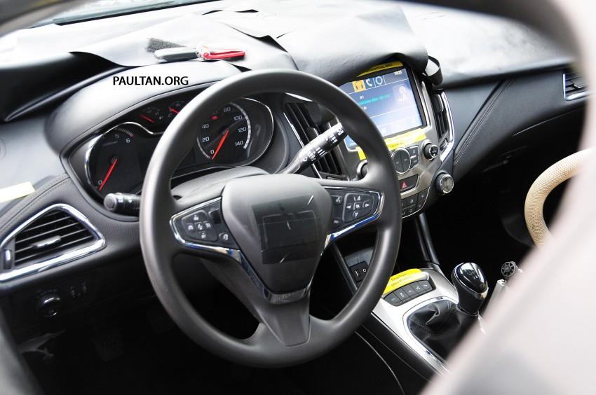 SPYSHOTS: Next-gen Chevrolet Cruze, incl interior Image #204056