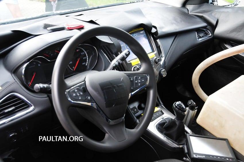 SPYSHOTS: Next-gen Chevrolet Cruze, incl interior Image #204058