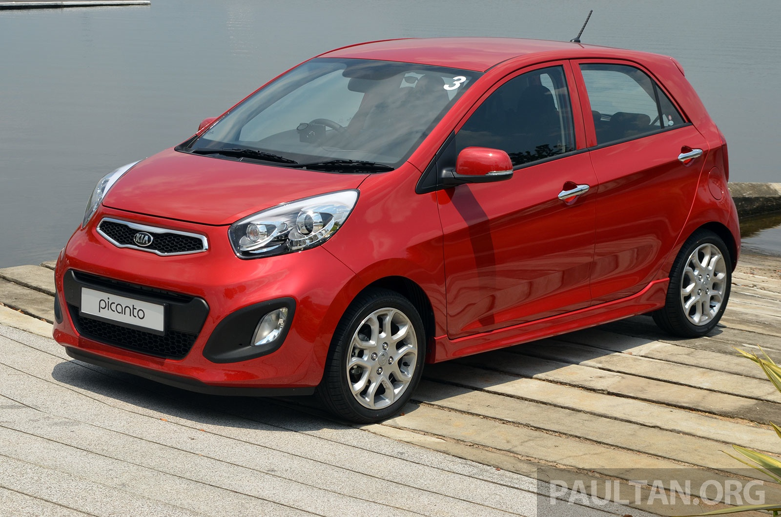 (IMG:http://s4.paultan.org/image/2013/10/Kia-Picanto-Malaysia-20.jpg)