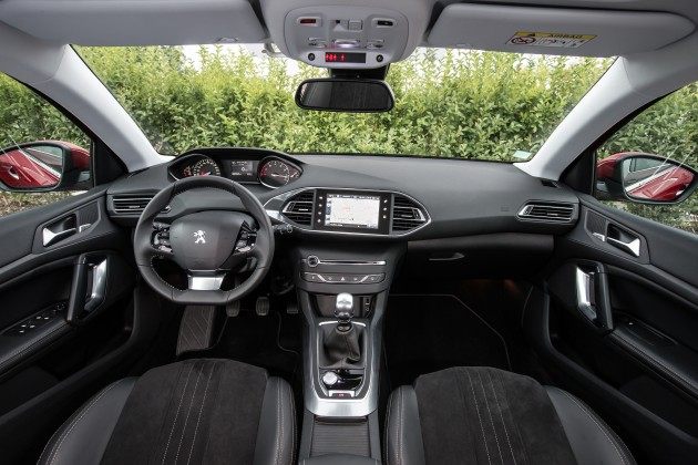 New_Peugeot_308_Allure_EO0T6274-1