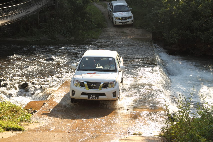 Nissan Navara 4WD LE and SE updated, from RM95k Image #206184