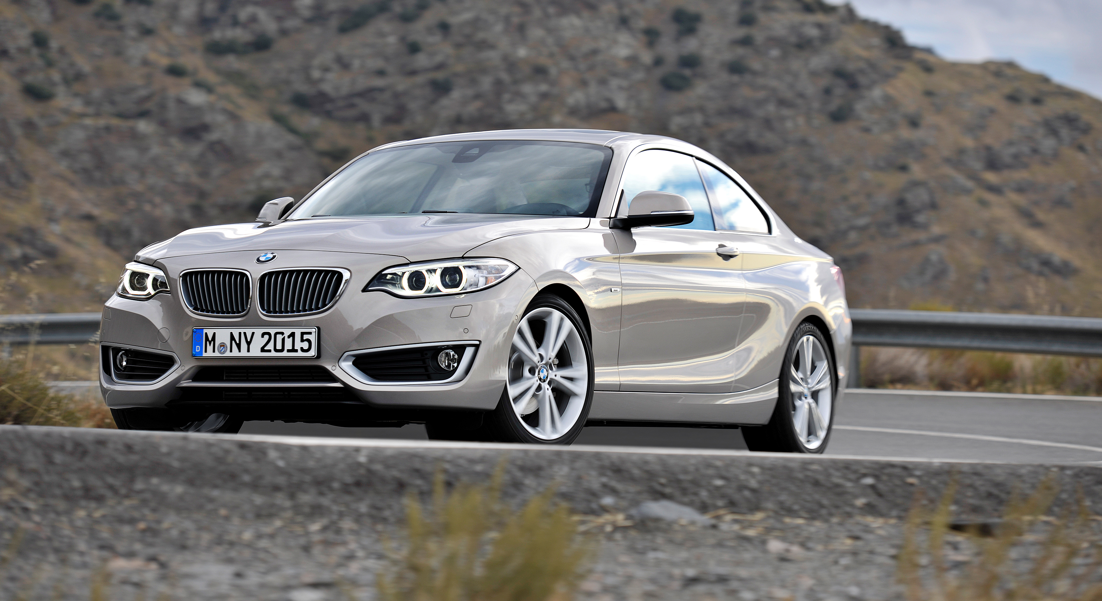 new bmw 2 series coupe and m235i unveiled in full image 206481. Black Bedroom Furniture Sets. Home Design Ideas