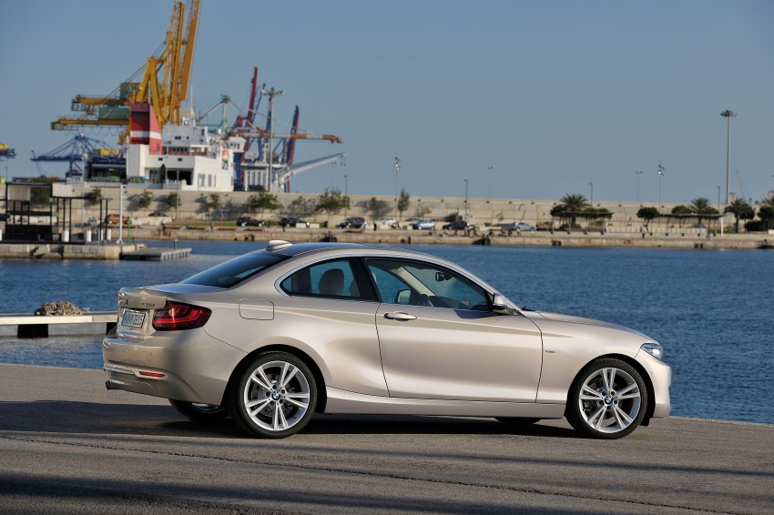 New BMW 2 Series Coupe and M235i unveiled in full Image #206485