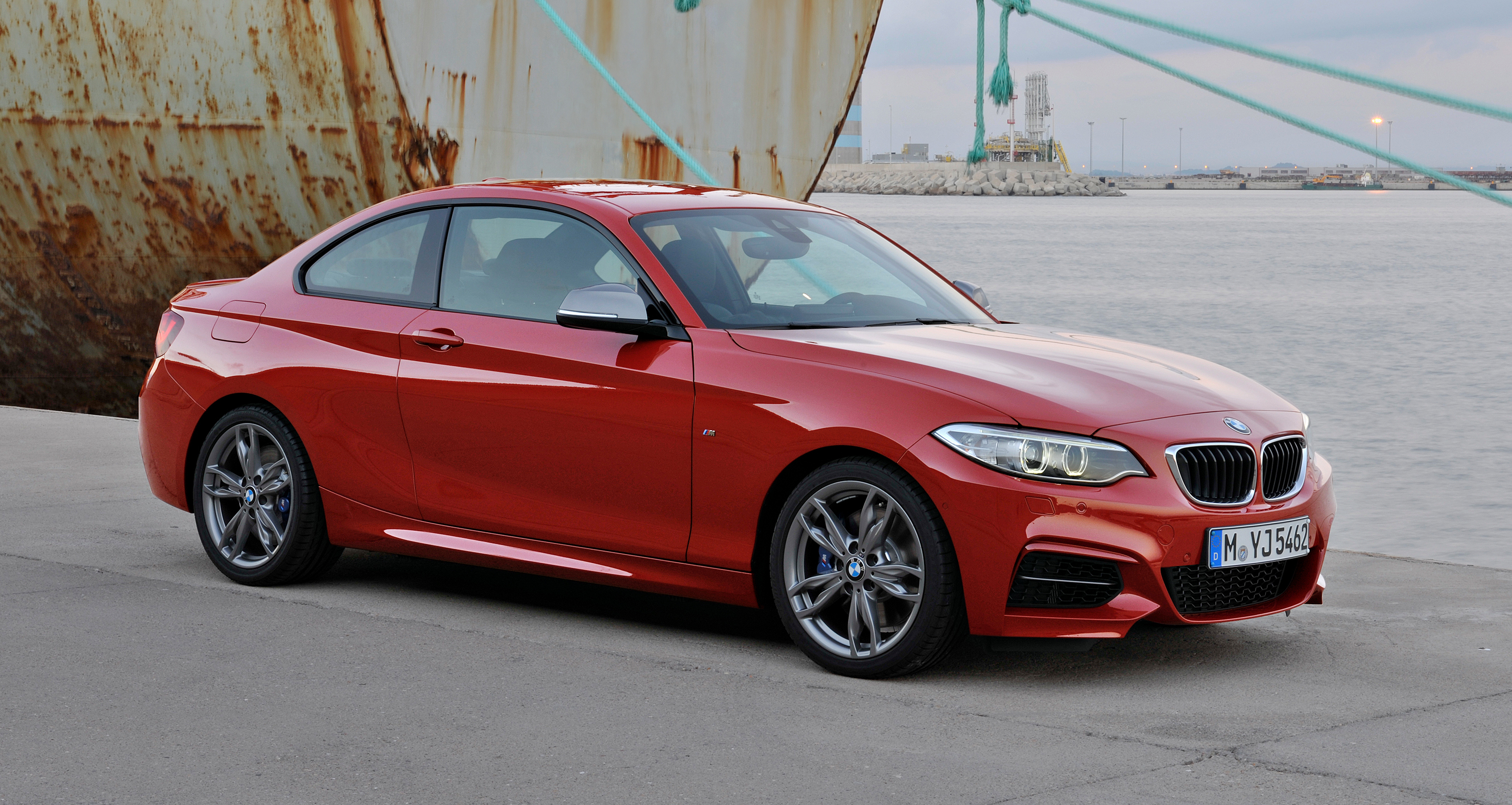 new bmw 2 series coupe and m235i unveiled in full image 206457. Black Bedroom Furniture Sets. Home Design Ideas