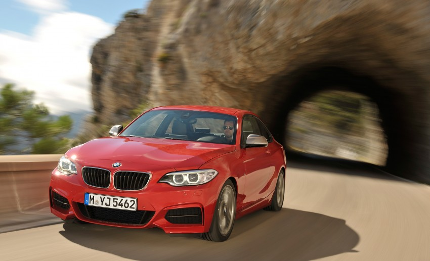 New BMW 2 Series Coupe and M235i unveiled in full Image #206458