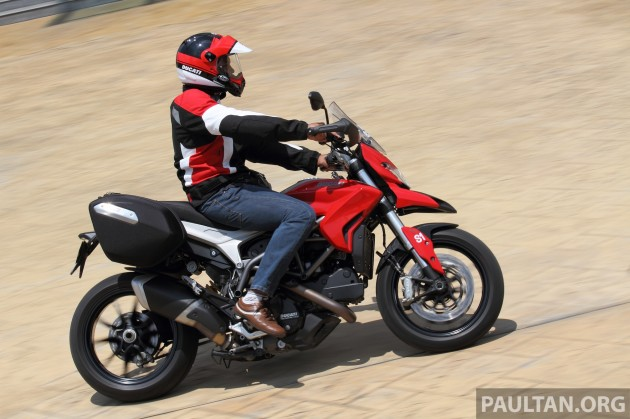ducati-hyperstrada-review-36