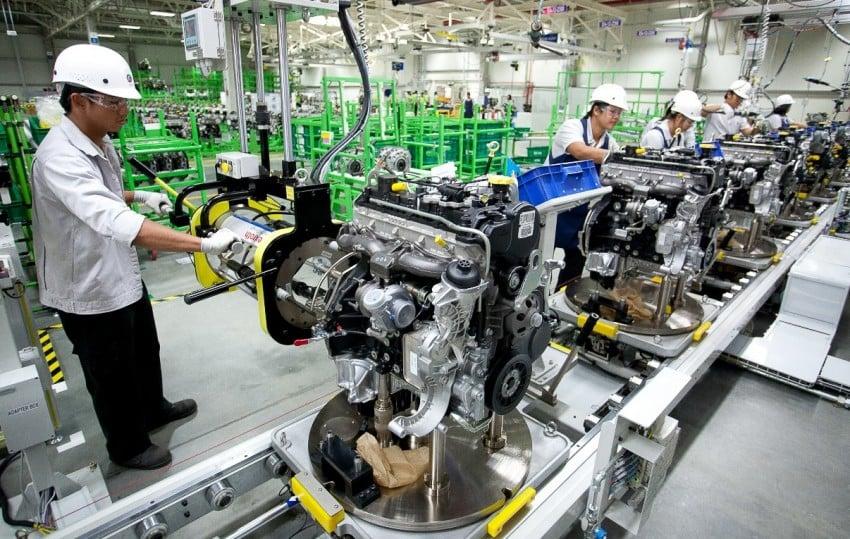 Chevrolet introduces 2nd-gen MY14 Duramax diesels Image #204105
