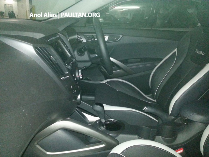 SPYSHOTS: Hyundai Veloster Turbo sighted at JPJ Image #203078