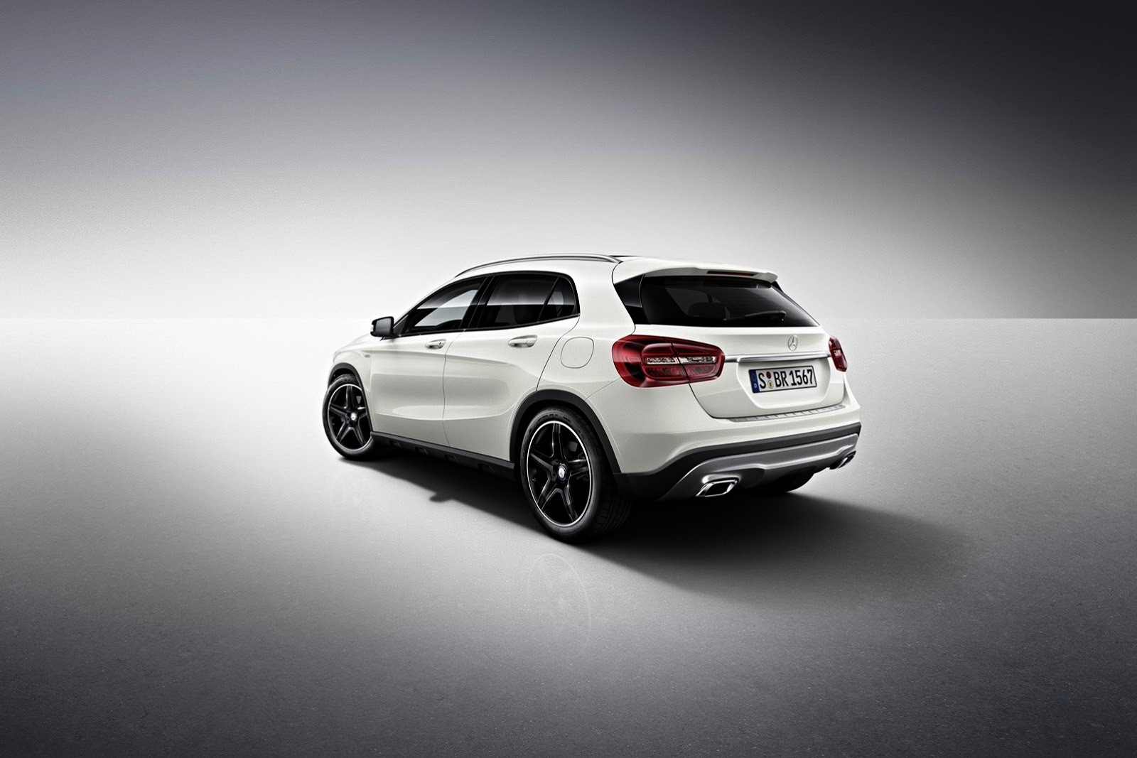 Mercedes benz gla edition 1 euro orders open from next month for 2013 mercedes benz gla