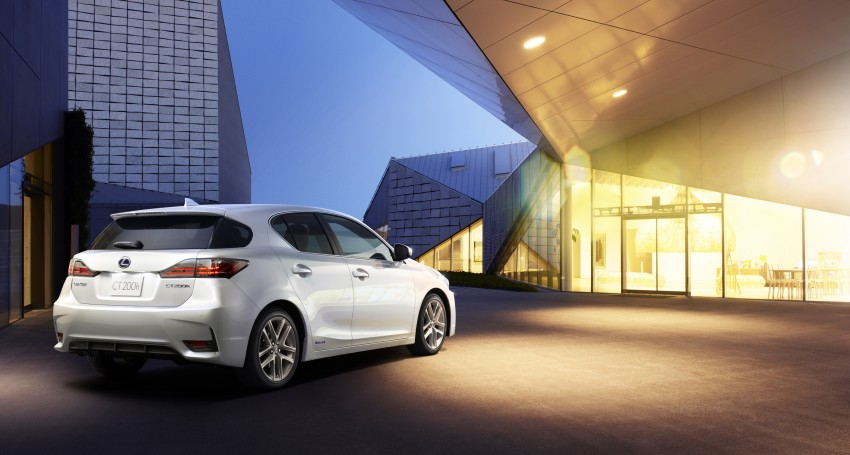 2014 Lexus CT 200h facelift unveiled in Guangzhou Image #212972