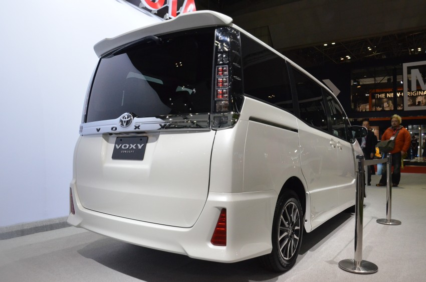 2014 Toyota Noah and Voxy previewed at Tokyo 2013 Image #213056