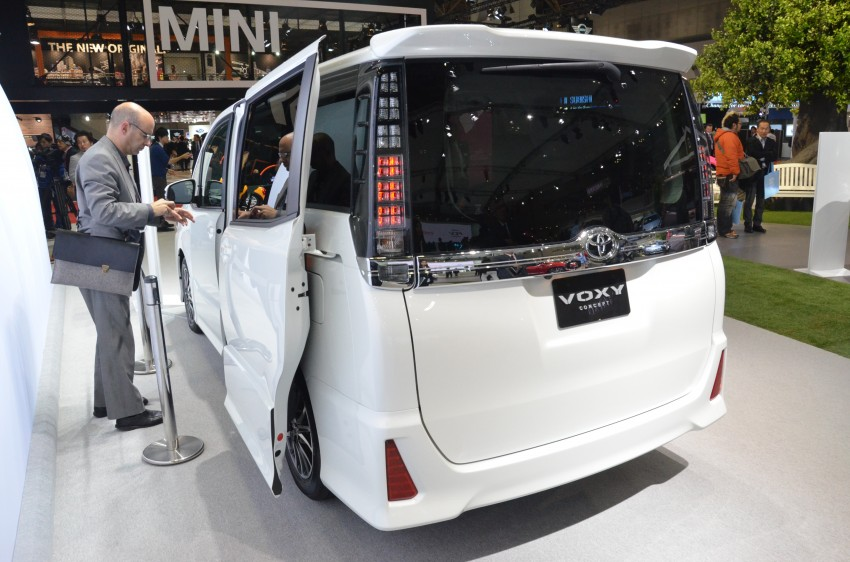 2014 Toyota Noah and Voxy previewed at Tokyo 2013 Image #213051