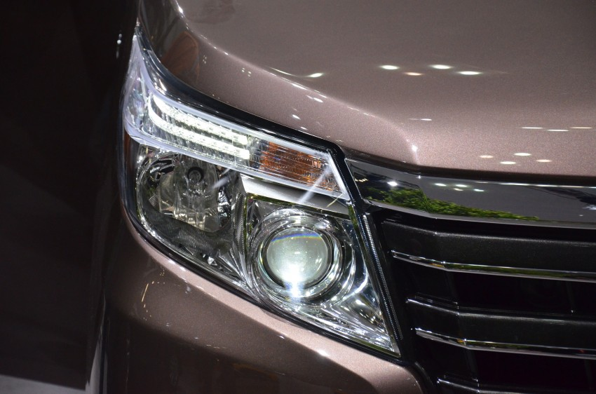2014 Toyota Noah and Voxy previewed at Tokyo 2013 Image #213042