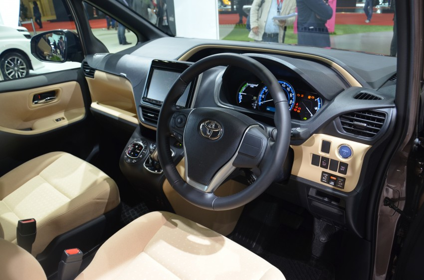 2014 Toyota Noah and Voxy previewed at Tokyo 2013 Image #213038