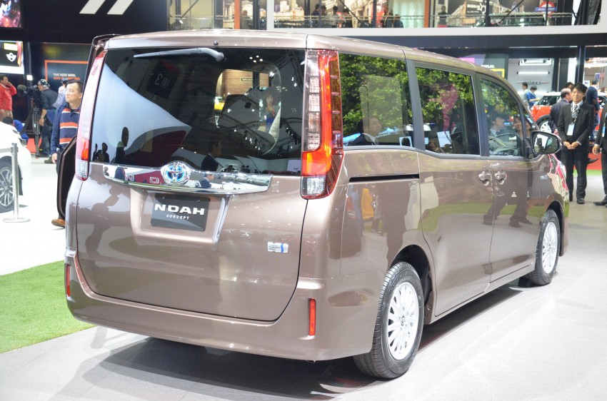 2014 Toyota Noah and Voxy previewed at Tokyo 2013 Image #213036