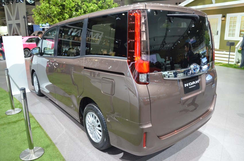 2014 Toyota Noah and Voxy previewed at Tokyo 2013 Image #213032