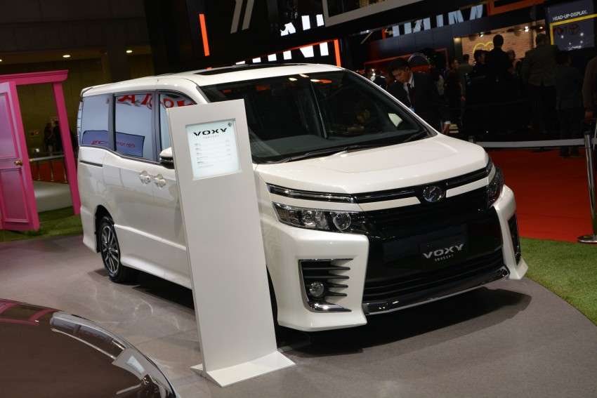2014 Toyota Noah and Voxy previewed at Tokyo 2013 Image #213068