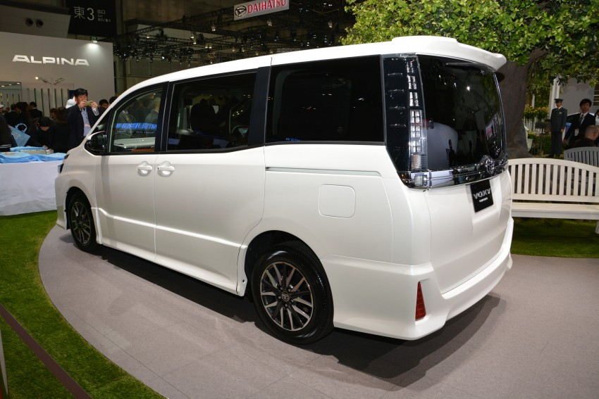 2014 Toyota Noah and Voxy previewed at Tokyo 2013 Image #213066