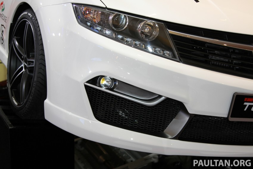Proton Preve bodykit by DreamEDGE at KLIMS13 Image #212459