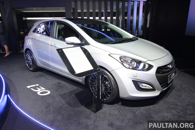 hyundai i30 and veloster turbo previewed at klims launching in 2014. Black Bedroom Furniture Sets. Home Design Ideas